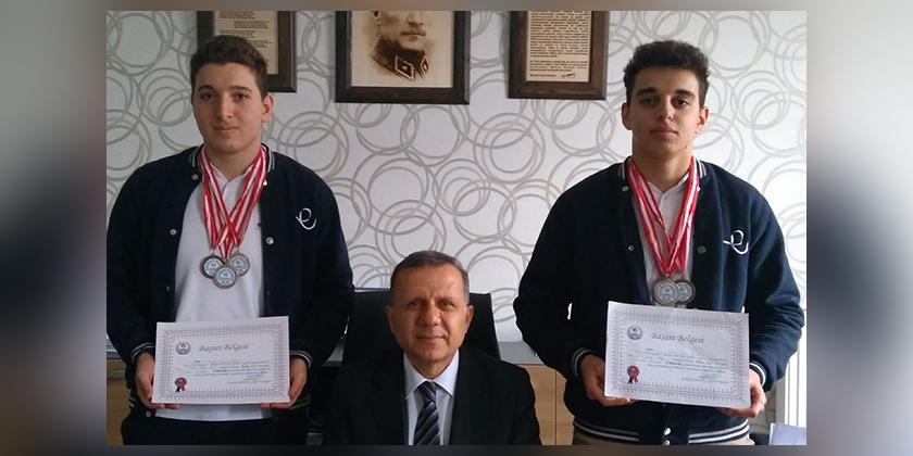 Okullar Arası Yüzme Yarışlarında Anadolu Lisesimizin Başarısı...