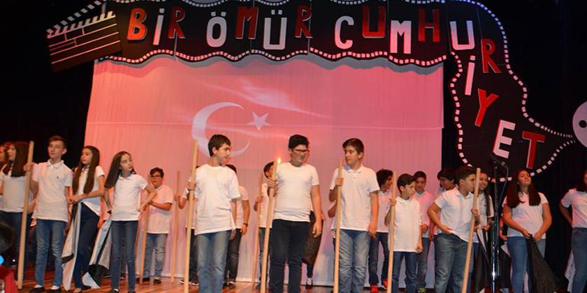 Cumhuriyet Bayramımızın 94. Yılını Coşkuyla Kutladık...