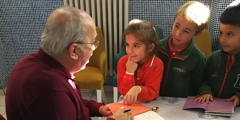 Yazar Aydoğan YAVAŞLI öğrencilerimiz ile buluştu...